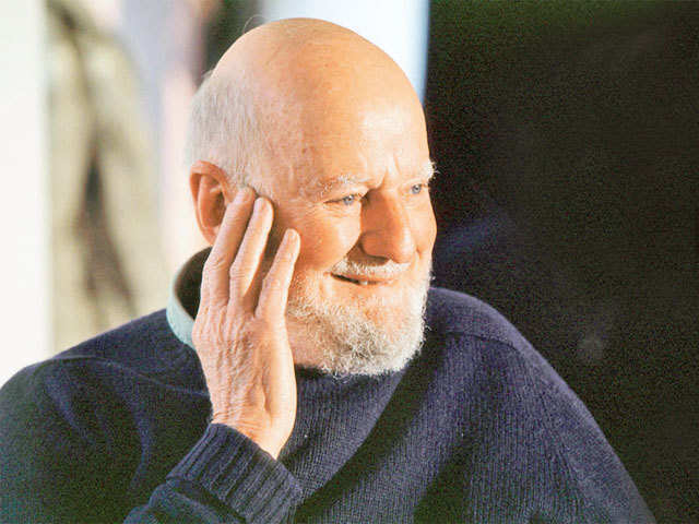 lawrence ferlinghettis politics essay The explication of lawrence ferlinghettis english language essay  an eloquent reading by lawrence ferlinghetti is not necessary to pick up on the relaxed .