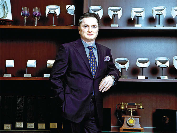 gautam singhania Gautam singhania is the owner of two yachts: ashena and moonraker ashena is  built out of burma teak his yacht moonraker is one of the fastest yachts in the.