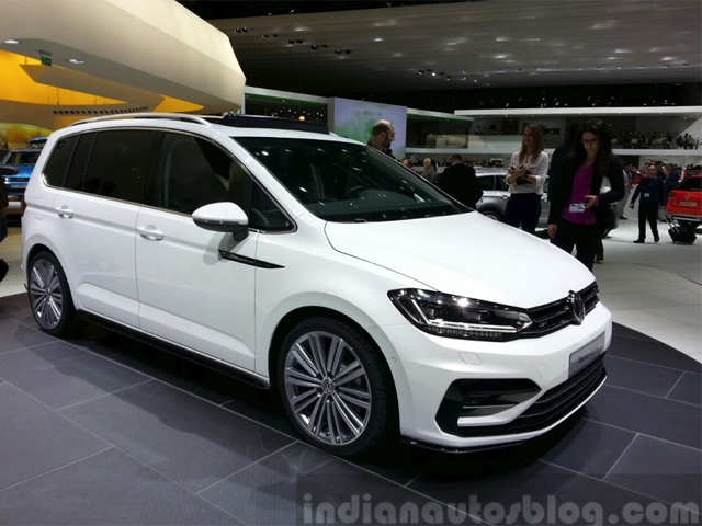 2016 vw touran showcased at the geneva auto show 2016 vw touran the economic times. Black Bedroom Furniture Sets. Home Design Ideas