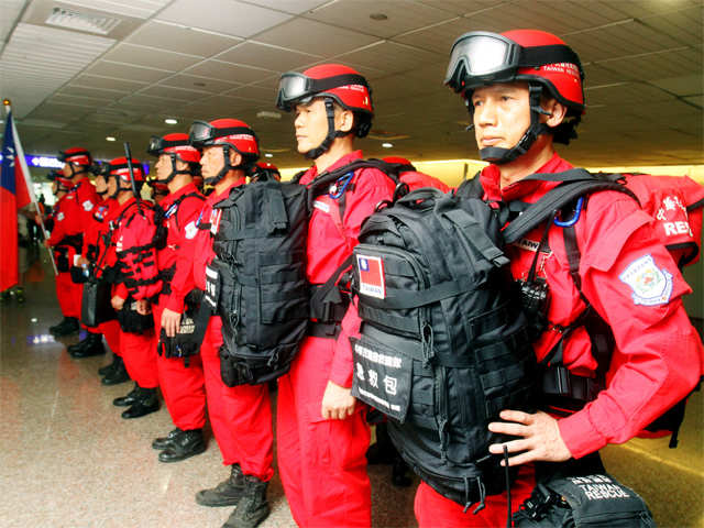 French And Polish Rescue Teams In Nepal