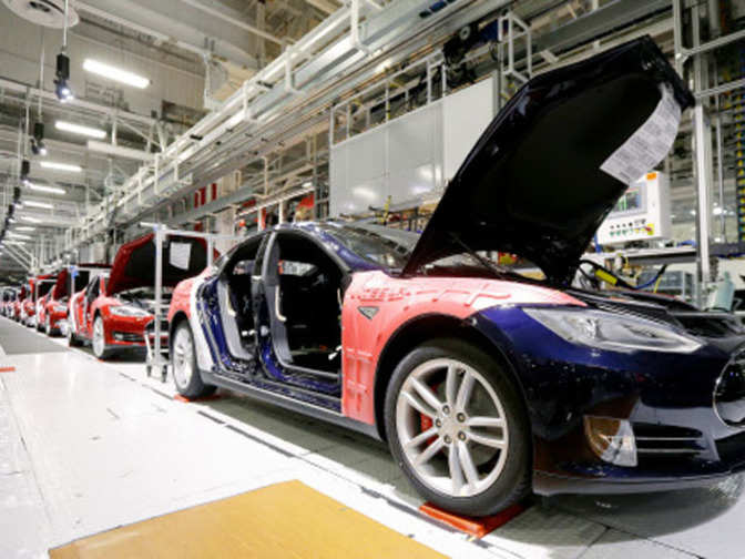 All Electric Ferrari Supercar Will also 48325715 further Nintendo S Ambitious Bet On Smartphone Apps Isn T Paying Off 02lv4b further The Uk Government Wants Bim To Be Implemented In All Construction Projects By 2016 in addition 1000 Business Model Ex les Ready To Download Vizologi. on tesla strategy to make money