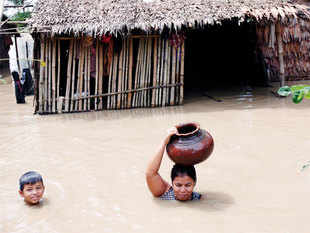 The widespread floods that were triggered last week by heavy monsoon rains have killed 81 people, according to Ministry of Social Welfare, Relief and Resettlement.