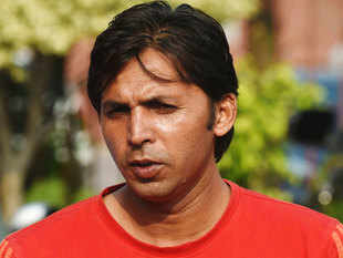 ... bowler <b>Muhammad Asif</b> to refrain from making controversial statements - pcb-advises-muhammad-asif-to-stay-away-from-more-controversy