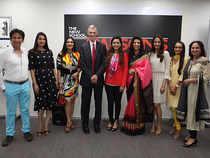 (L-R) Kailash Surendranath, Sonali Bendre, Arti Surendranath, David Van Zandt, Radha Kapoor, Dr. Indu Shahani, Gayatri Oberoi.