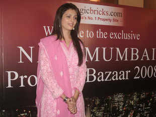"""The two-day property exhibition organised by the premier realty portal MagicBricks.com at Vashi received a good response from citizens seeking suitable homes in Navi Mumbai and Raigad. The Navi Mumbai Property Bazaar was inaugurated by actor Anjana Sukhani at the Raghuleela Mall opposite Vashi railway station. """"At this exhibition, we are showcasing luxurious homes, commercial complexes as well as affordable houses,'' said Vijay Singh Shekhawat, the regional sales head of MagicBricks."""