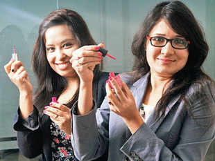 A clutch of online beauty services ventures is attempting to draw users away from brick-and-mortar salons which have been dominating the sector for long time.