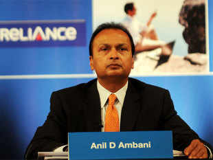 Expanding his defence sector play, Reliance Group Chairman Anil Ambani today announced setting up of a new naval shipbuilding facility with an initial investment of Rs 5,000 crore.