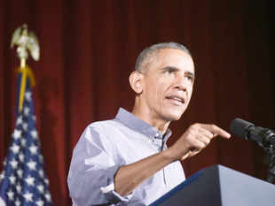 Obama will not publicly endorse a candidate before the 2016 Democratic primary election, White House Chief of Staff Denis McDonough said on Sunday.