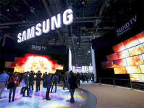Samsung is set to launch Galaxy Note 5 dual-SIM, its first dual-SIM high-end device, with the aim to strengthen its lead in the premium segment where the South Korean handset major competes with Apple.