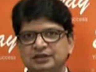 In a chat with ET Now, Dhananjay Sinha, Emkay Global Financial says banks that have high retail proportion on the lending side have  done relatively better