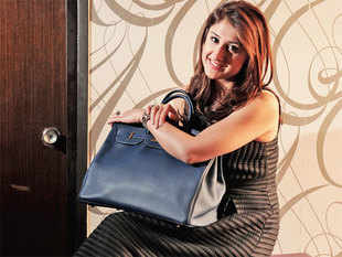 In June 2014, Anvita Mehra cofounded Confidential Couture, an online marketplace for buying and selling pre-owned luxury goods.