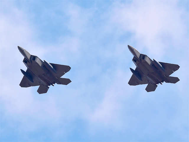 US F-22 fighter jets patrol over South Korea amid growing tensions with North Korea