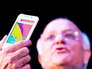 "Facing an FIR and defamation suit amid deepening mystery and now senior government officials raising serious questions over ""Freedom 251"" smartphone, its makers on Friday announced ""cash on delivery"" (COD) facility for those who have placed the order for the world's cheapest smartphone."