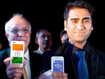 Ringing Bells has started refunding customers who paid upfront for the device called Freedom 251 after intense scrutiny of its business model and allegations of fraud.