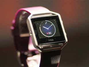 Worldwide shipments of wearable devices are expected to rise 38.2 per cent to 110 million units by the end of 2016, market research firm International Data Corp (IDC) said.
