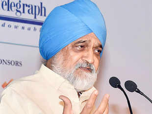Ahluwalia opined that it is not important to focus on 8-10 per cent growth rates as consistent reforms can sustain 7.5 per cent growth rates.