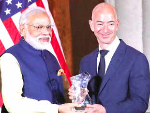 Amazon CEO Jeff Bezos wants PM  Narendra Modi to let online marketplace have inventories too - Economic Times