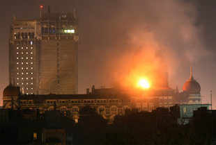 Taj on fire at Nov 28, '08 night. (Reuters)