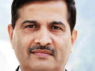 Top 6 Questions With :   Ashwani Lohani, Managing Director at Air India