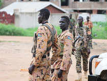 South Sudan's capital is witnessing heavy fighting due to clashes between former rebels and government soldiers in several parts of the city.