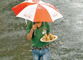 Here's a look at the food that goes best with the rains