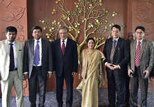 Sushma Swaraj  with delegates