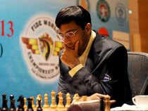 Anand faces Magnus Carlsen during their fourth match of the FIDE World Chess Championship in 2013. (Image credit: C Suresh Kumar)