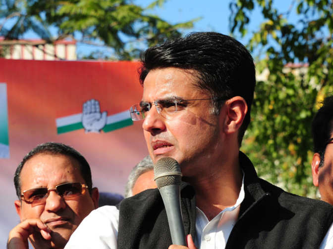Army should be kept out of politics: Cong to TMC, BJP