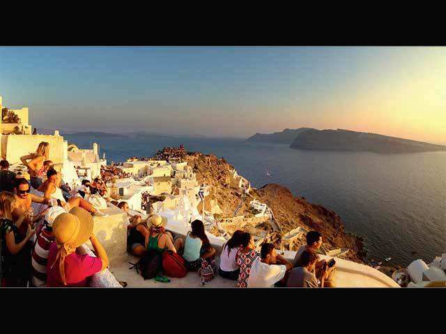 Want the perfect setup for a romantic vacation? Santorini in Greece will quench all your desires