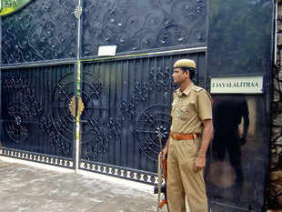 sasikala checks in but it s still amma at poes garden the economic times