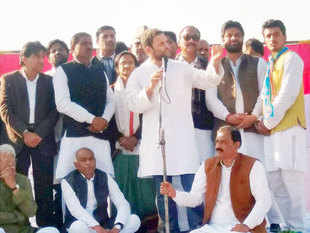 Soon after his press conference at Parliament House Rahul Gandhi joined a Jantar Mantar dharna, organised by Kerala's United Democratic Front leaders, and attacked the Centre over note recall.