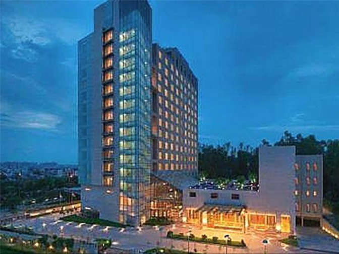 marriott hotels service strategy Marriott hotels & jw marriot chandigarj  marriot ppt 1  marriott lands its first food-service management contract with the us treasury growing its.