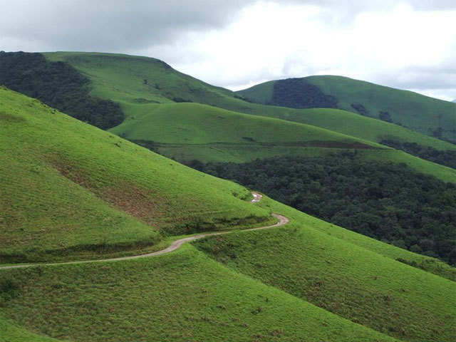 Year-ender getaways: Visit the pictueresque town of Naggar & the scenic hills of Kemmanagundi