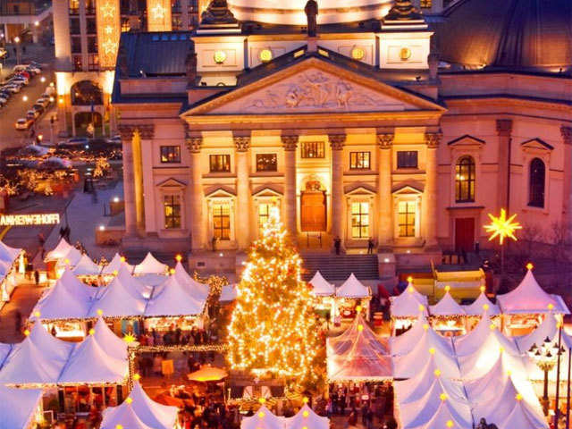 Enjoy one of the best Christmas markets at Berlin