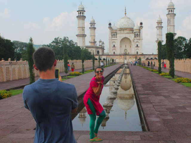 Despite note ban, arrival of foreign tourists rise over 9% in November