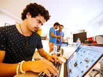 computer_laptop_user_AP