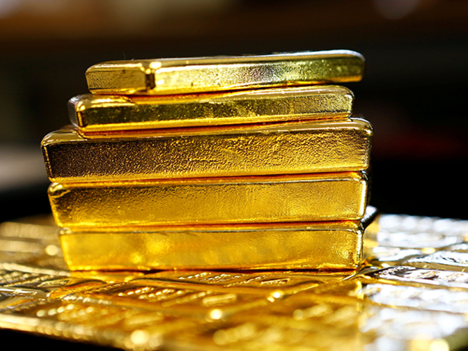Gold tops Rs 29,000-mark, hits over 1-month high on global cues