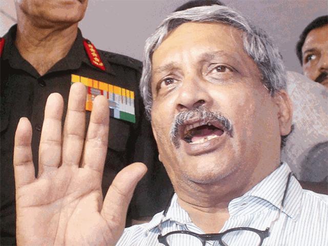 Manohar Parrikar seeks report over shortage of medals