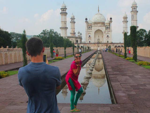 No demonetisation effect here, foreign tourists arrival jumps in November, December