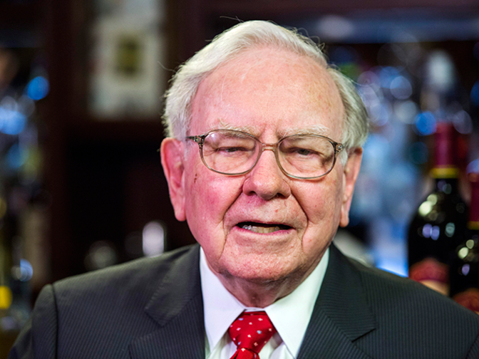 Buffett says $100 billion wasted by investors trying to beat the market
