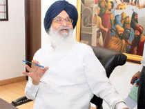Parkash Singh Badal, SAD candidate, polled 66,375 votes while Congress candidate Amarinder Singh secured 43,605 votes.