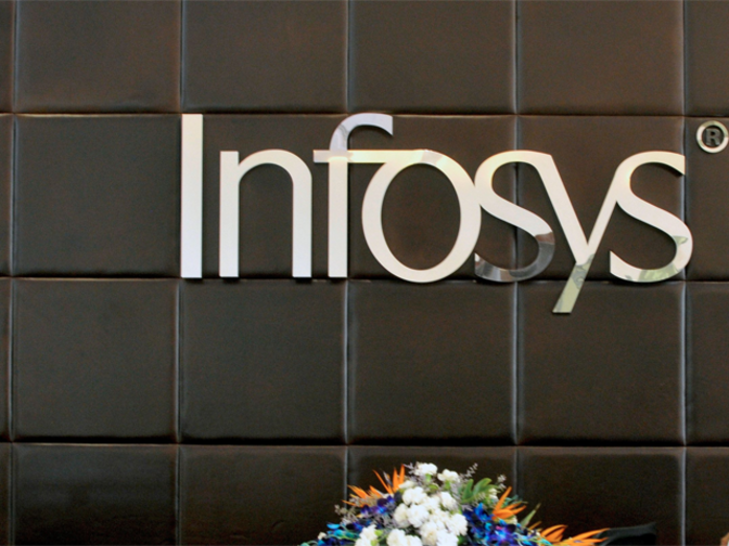 Employee strength at Infosys soars from 300 in 1996 to 20,000 - The Economic Times
