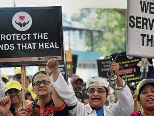 4,000 resident doctors stay away from duty in Maharashtra hospitals