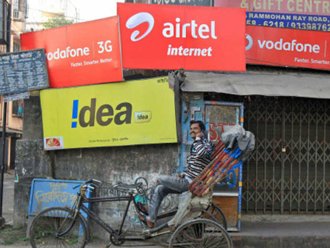 Telcos  on 4G spectrum acquisition overdrive as data consumption soars - Economic Times