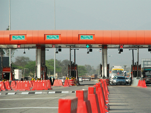 None of the toll plazas which are run by the road builders are following the rule.