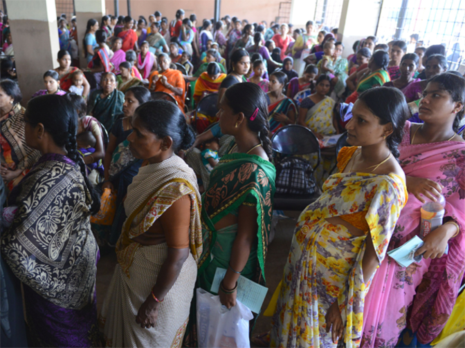 India's rising wealth has a downside: Fewer women are working - Economic Times