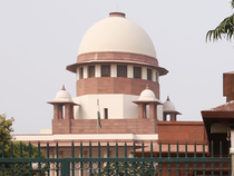 The apex court has also asked the Madras High Court to continue the hearing from June 12 on a day-to-day basis and complete the hearing within 4 weeks.