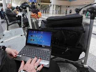 laptop_AFP