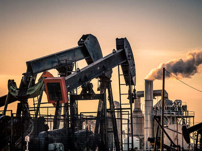 Crude oil in danger of falling to $40 if Opec fails to extend output cuts