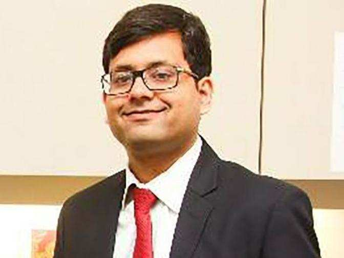 Would rather be a contra buyer in IT than pharma: Abhimanyu Sofat, IIFL